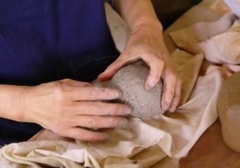 体験陶芸を受け付けています。